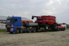 transporturi agabaritice combina agricola Case HI header porumb