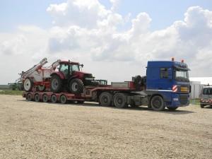 transport agabaritic tractor Case IH cisterna apa