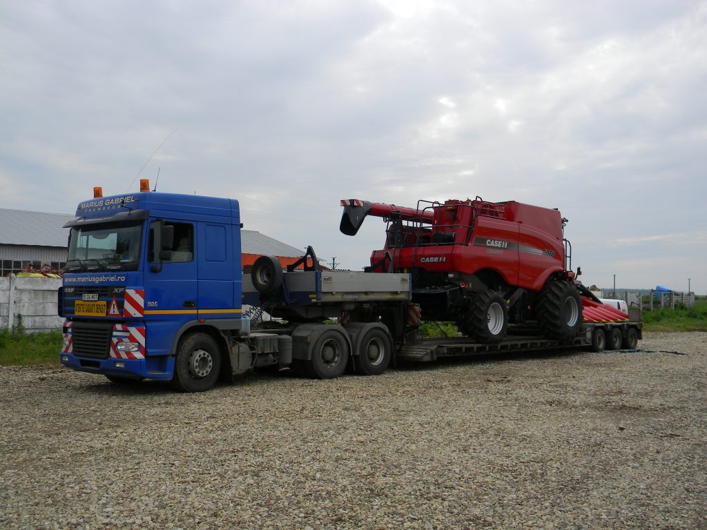 transport agabaritic utilaj agricol